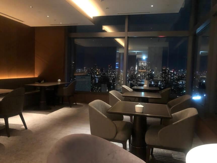 ストリングスホテル東京ラウンジの様子