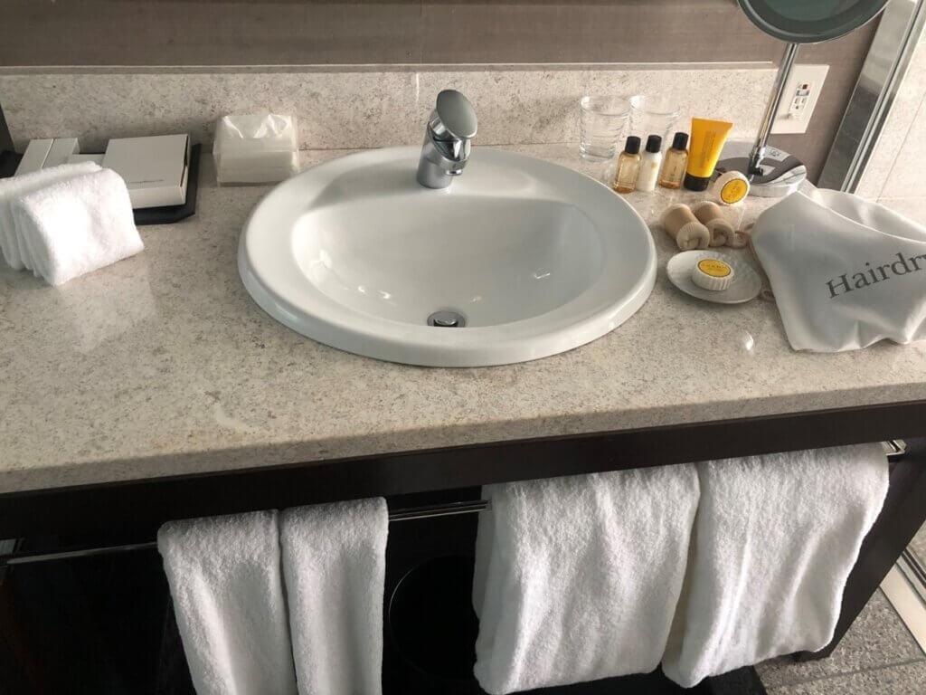 ストリングスホテル東京洗面台